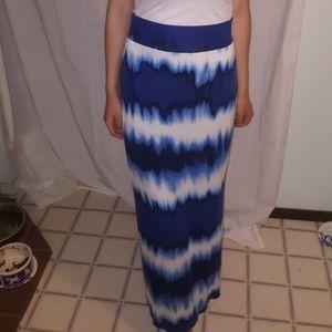 Petite Medium a.n.a Maxi Skirt Blue & White
